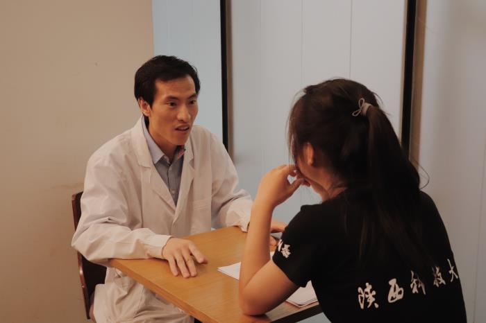 西安曲江艺术博物馆采访壁画修复师.jpg
