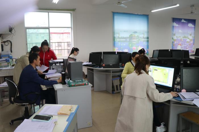 备课室1.jpg