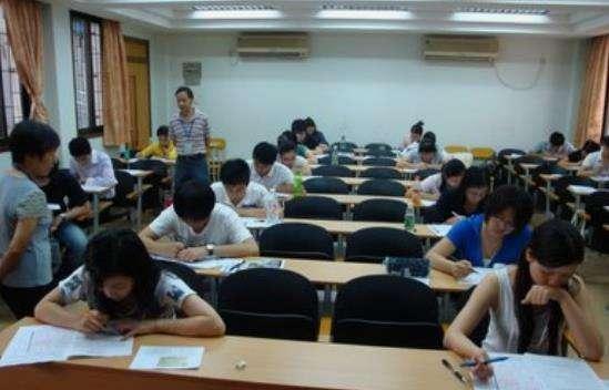 大学英语四六级该如何备考?看看3位英语学霸分享的秘笈