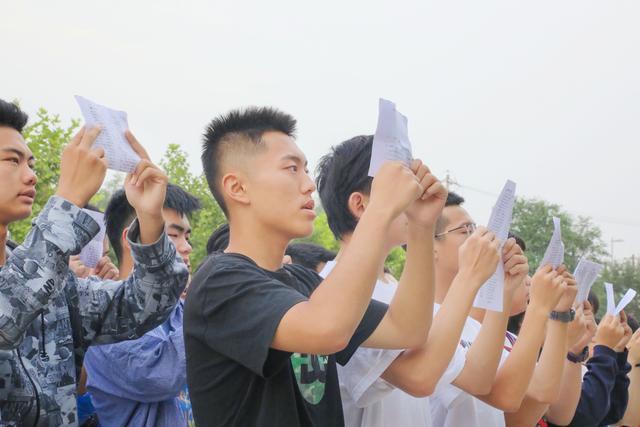 高考日志:丁准学子一天的学习和生活!