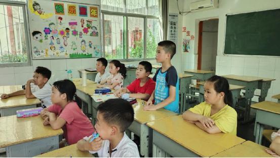 西外青年志愿者总队支教队实践活动:青春烛梦  爱心护航